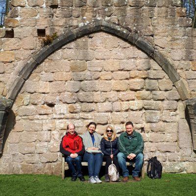Lehrerteam in Fountains Abbey